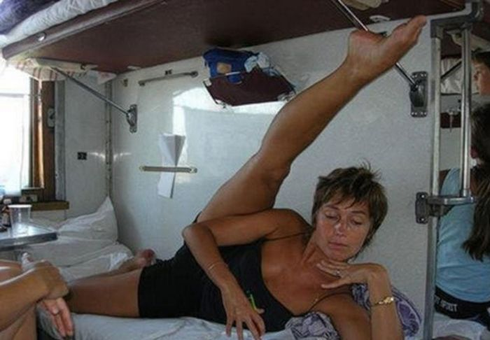 There's Never A Dull Moment When You Travel On A Russian Train (25 pics)
