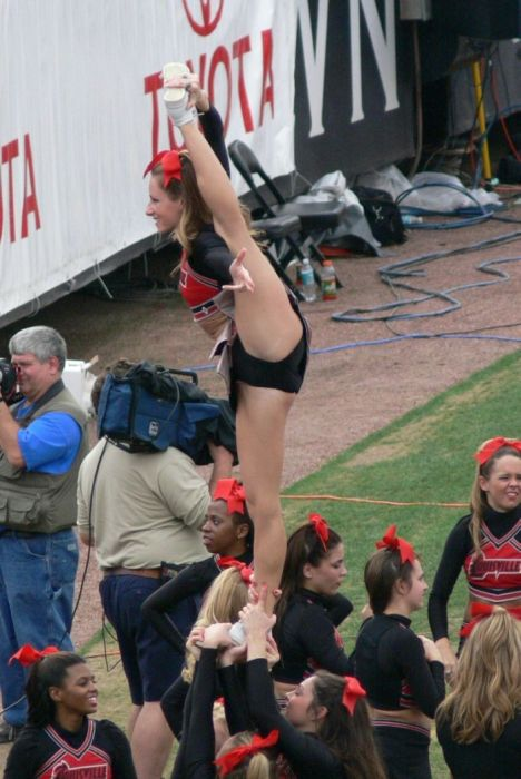Pics Of Sports Girls That Your Eyes Will Enjoy (56 pics)