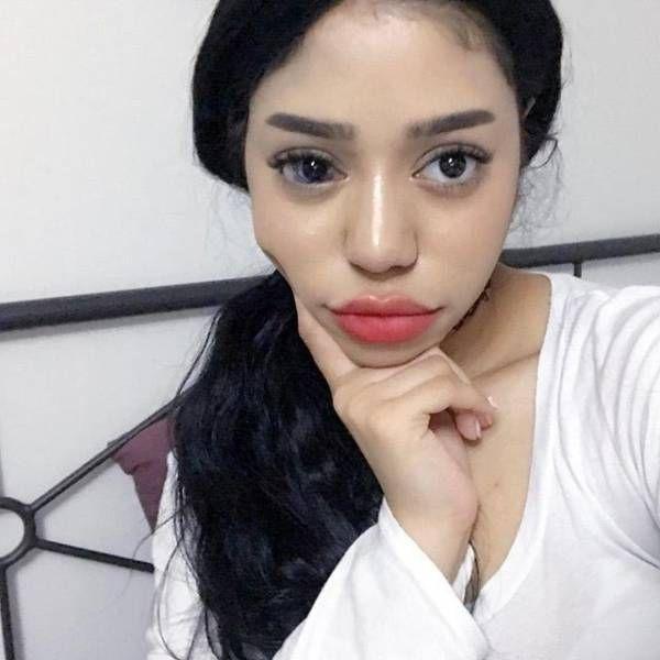 Beauty Vlogger Slams Body Shamers (6 pics)