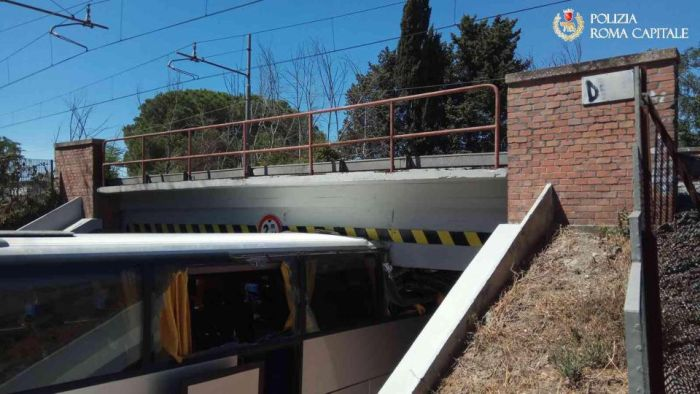 Tourists Have Their Holiday Ruined After Bus Crashes Into Bridge (4 pics)
