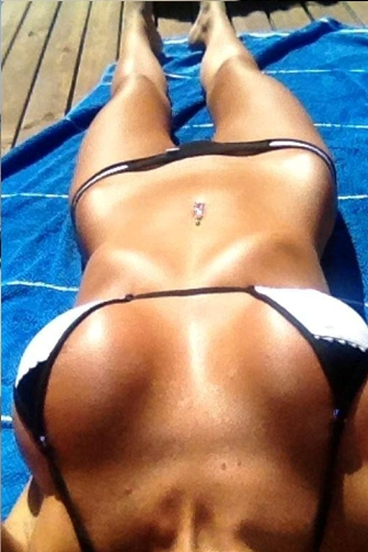 Hot Selfies That Were Taken From The Perfect Position (30 pics)