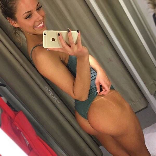 Girls Who Prove Tanlines Can Be Hot (34 pics)