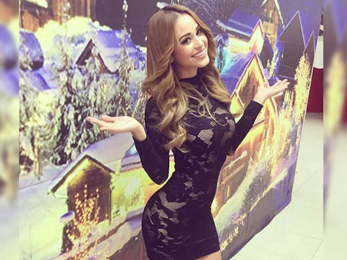 Weather Girl Janet Garcia Has Won The Hearts Of Men (28 pics)