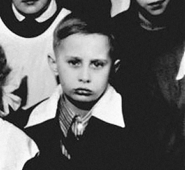 Childhood Photos Of The Most Powerful Politicians Today (10 pics)