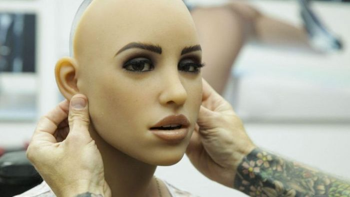 A Behind The Scenes Look At How Sex Robots Are Made (33 pics)