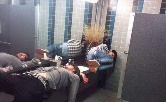 Sometimes Men Do Weird Things Just Because They Can (27 pics)