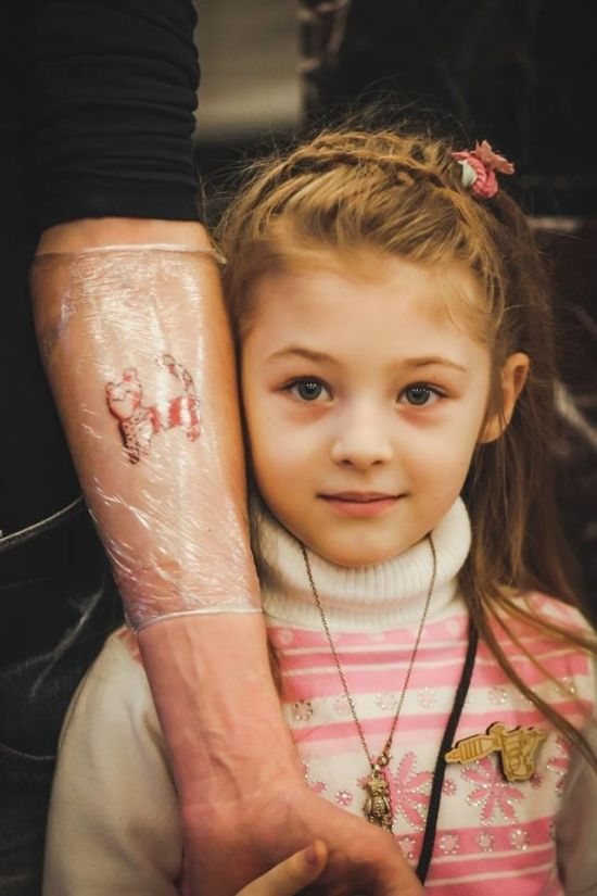 Seven Year Old Tattoo Artist Shows Off Her Work (6 pics)