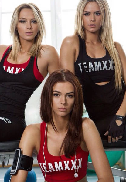 You're About To Fall In Love With These Three Romanian Sisters (20 pics)