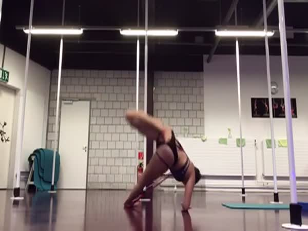 Fitness Model Has a Minor Equipment Malfunction