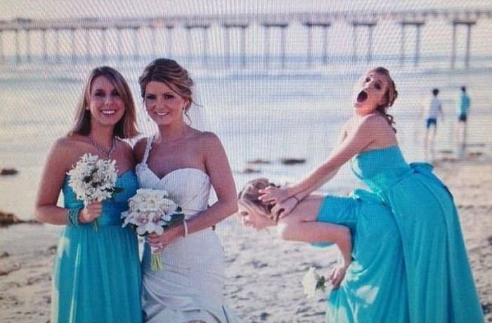Hilarious Photos Show Women Who Weren't Afraid To Outshine The Bride (17 pics)