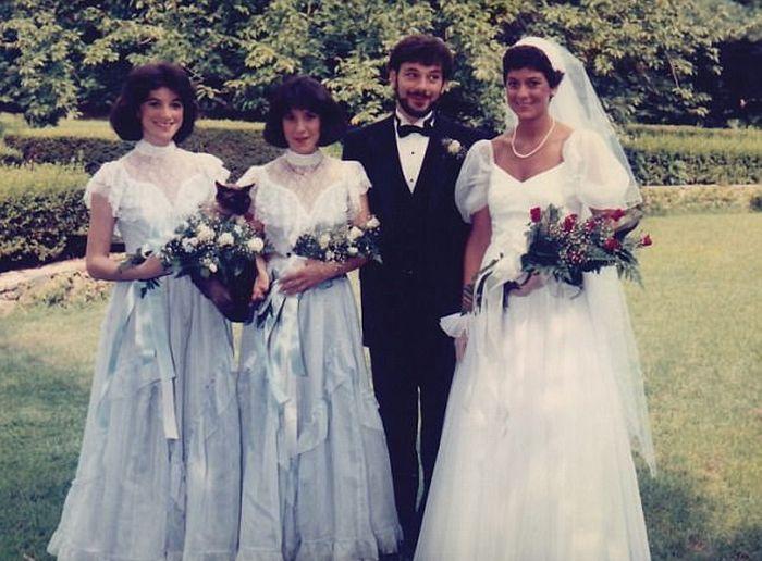 Hilarious Photos Show Women Who Weren't Afraid To Outshine The Bride (17 pics)
