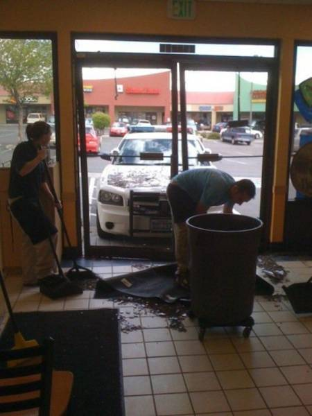 No Matter How Hard You Try You Can't Escape Work (47 pics)
