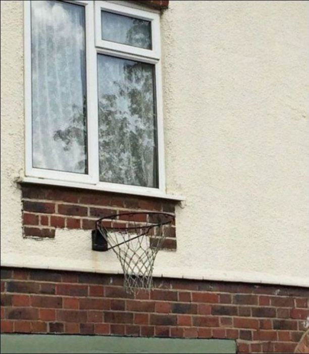 Design Errors That Are Hard To Look At (26 pics)