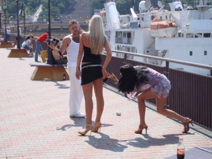 Girls Who Found Impressive Ways To Fail (28 pics)