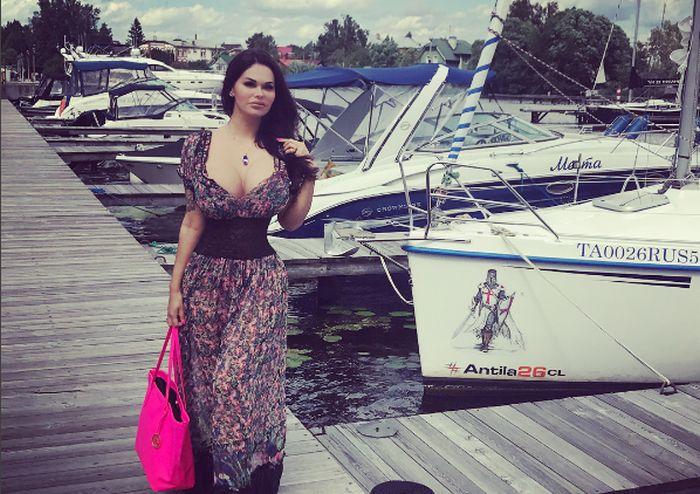 Reality TV Star Margarita Kern Has Some Sexy Curves (10 pics)