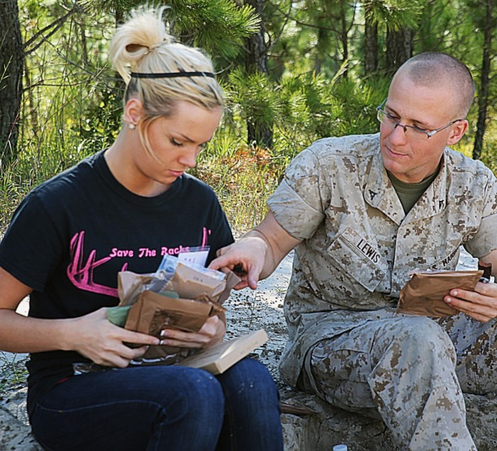Military Wives See How Their Husbands Live During Marine Corps Open Day (40 pics)