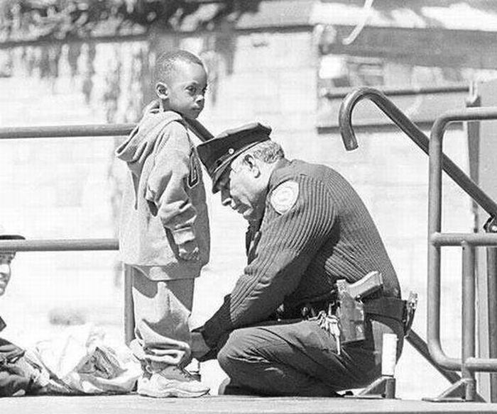 The Story Of A Boy That Will Restore Your Faith In Police (2 pics)