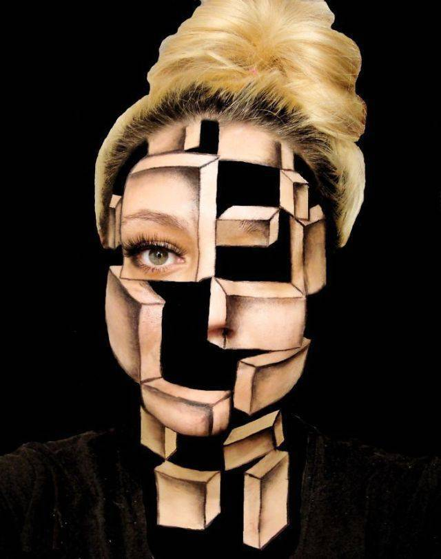 Body Art Illusions That Are Creepy And Artistic (21 pics)