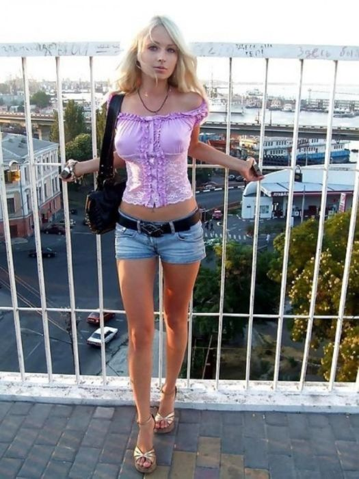 Beautiful Girls That Will Make Your Day Better Right Away (35 pics)