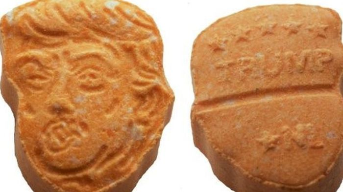 German Police Seize Donald Trump Themed Ecstasy Pills (2 pics)