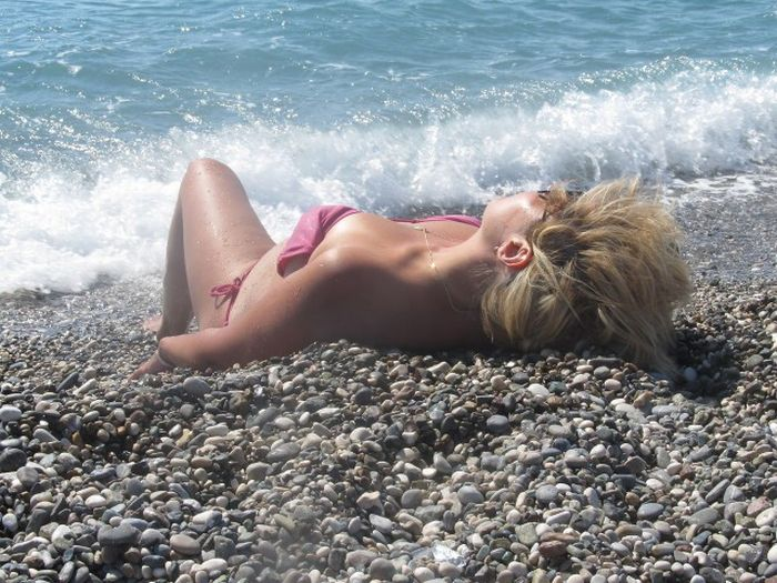 Girls On The Beach Are The Best Thing About Summer (41 pics)