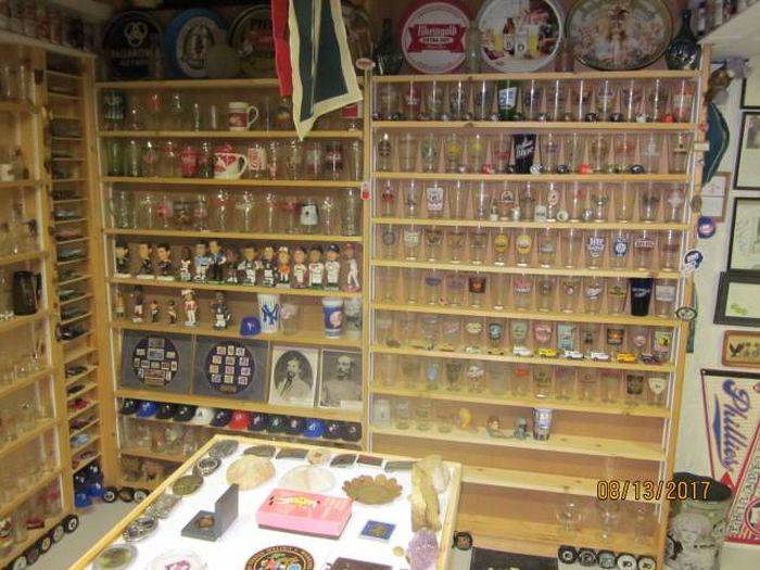 Collector's Stash Discovered In Basement After He Passed Away (28 pics)