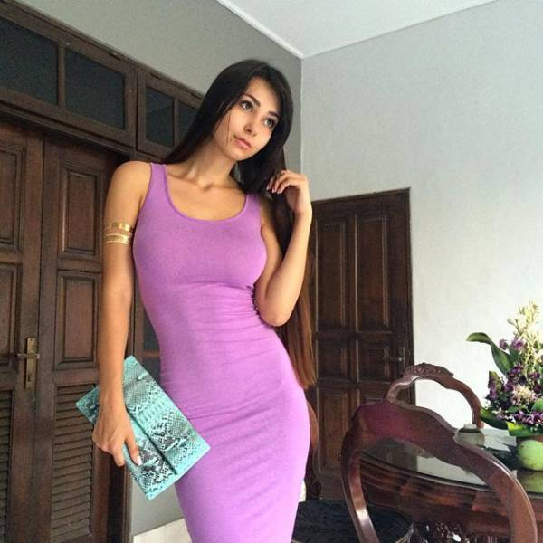 Girls In Tight Dresses Who Deserve Your Attention (29 pics)