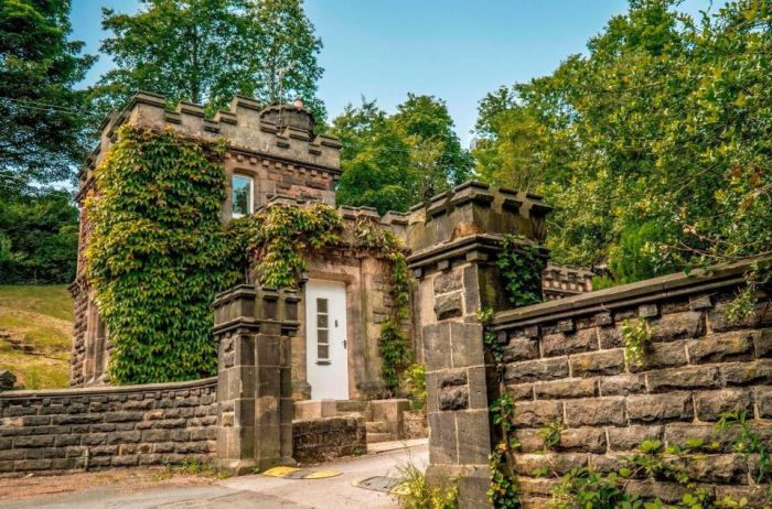 Small Castle Previously Owned By Buddhist Monks Is On The Market (6 pics)
