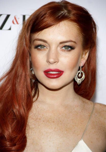 Makeup Turns These Celebrities Into Different People (30 pics)