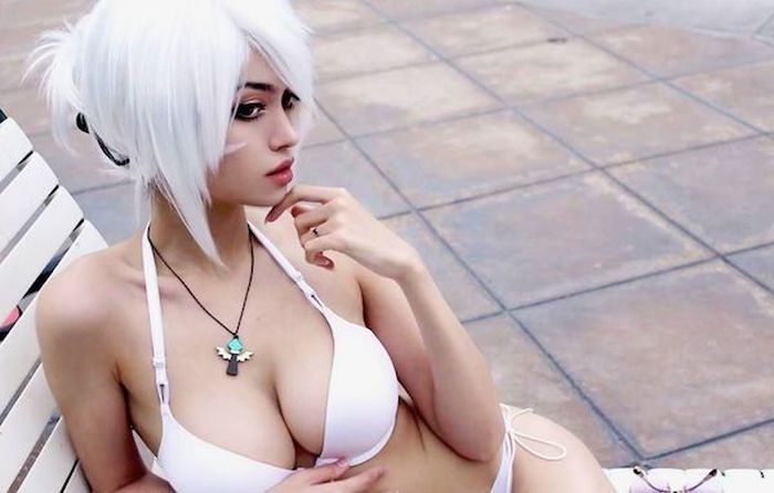 Say Hello To Qilin The Cosplayer Who Is An Absolute Smokeshow (26 pics)