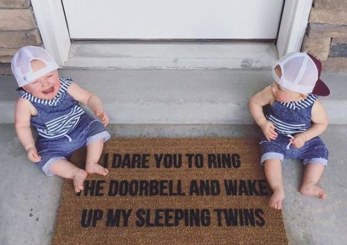 Houses With Hilariously Creative Doormats (40 pics)