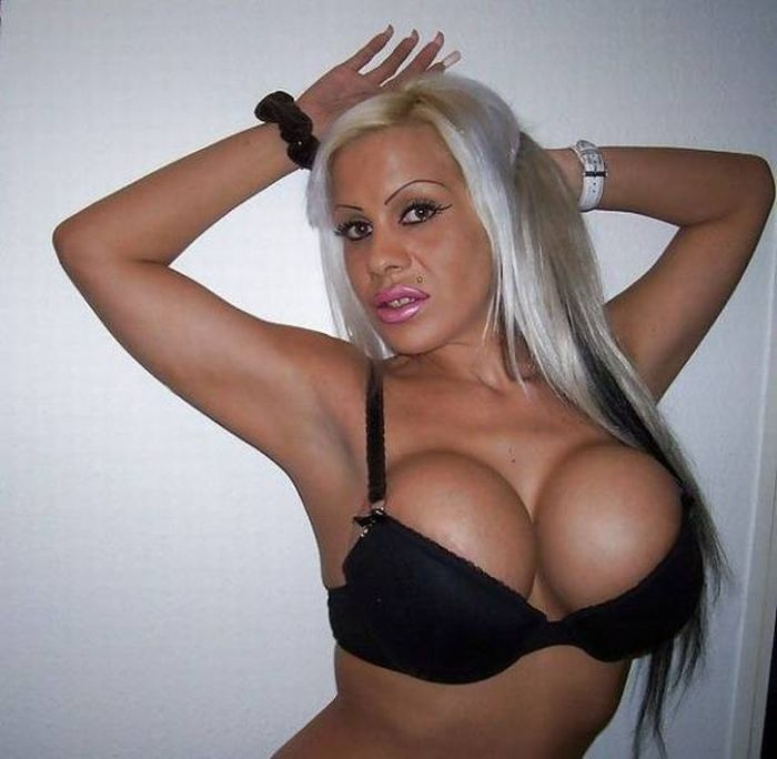 Women Who Overloaded Their Bodies With Silicone (45 pics)