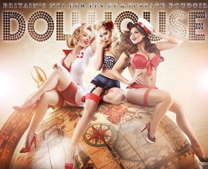 British Studio Turns Ordinary Girls Into Models And Burlesque Queens (26 pics)