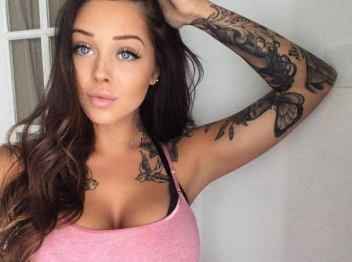 Gorgeous Girls With Tattoos That Will Drive You Absolutely Crazy (31 pics)