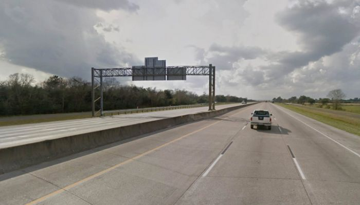 What I-10 Looked Like Before And After Hurricane Harvey (2 pics)