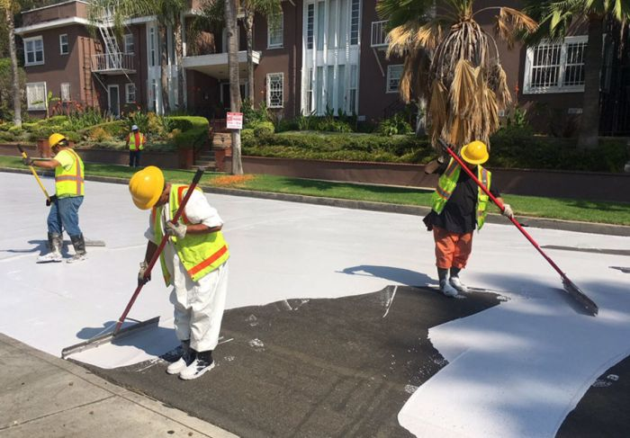 Why Los Angeles Is Painting The Streets White (5 pics)