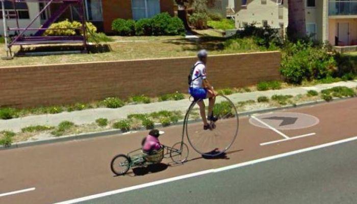 Bizarre Google Street View Photos (29 pics)