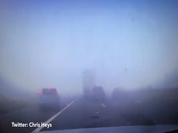 Thick Cloud of Fog Suddenly Swamps a Busy Motorway And Causes an Eight-Car Pile-Up