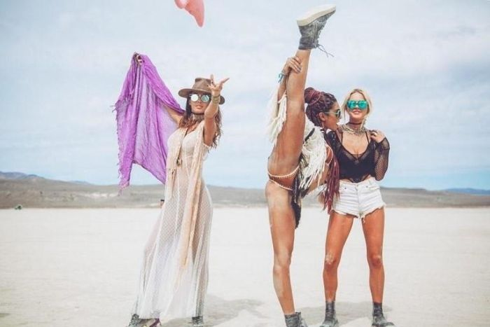 Hot Girls Of The Burning Man Festival 26 Pics-2371