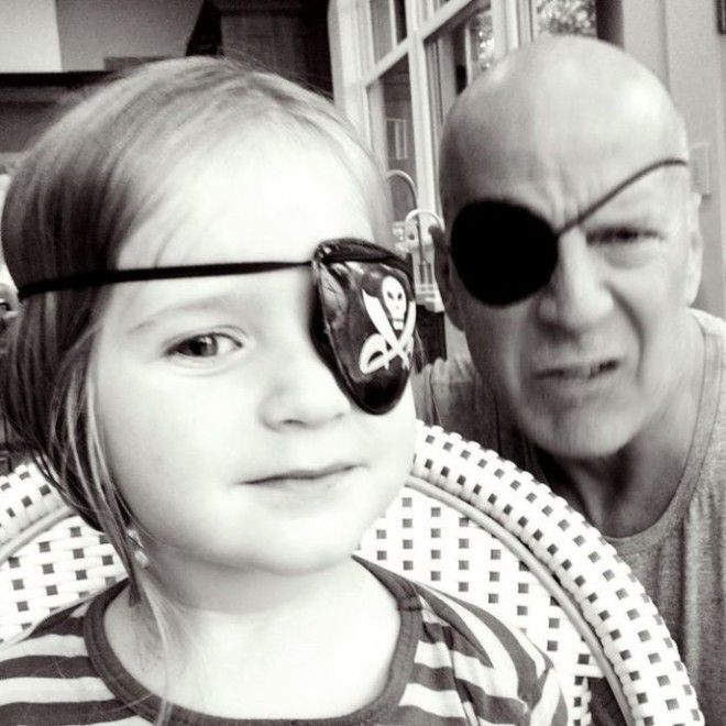 Hollywood Daddy Bruce Willis (20 pics)