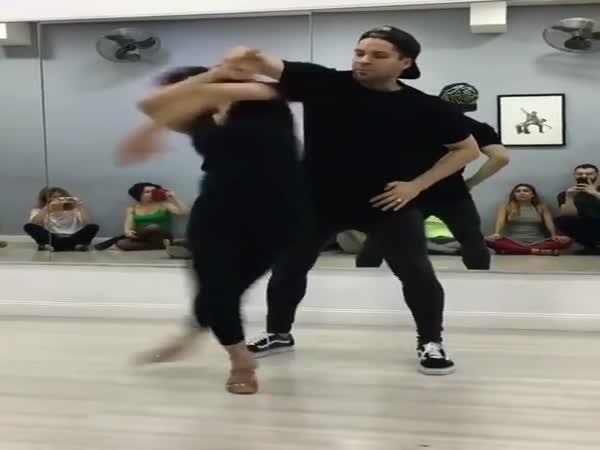 Amazing Girl Dance Performance