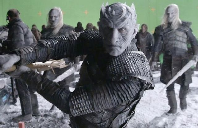Game of Thrones Behind-the-Scenes Moments (16 pics)