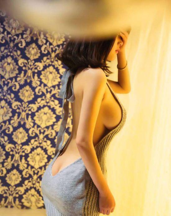 Hot Girls In Tight Dresses (40 pics)