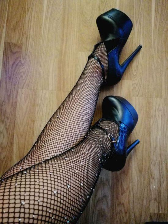 Attractive Legs (28 pics)