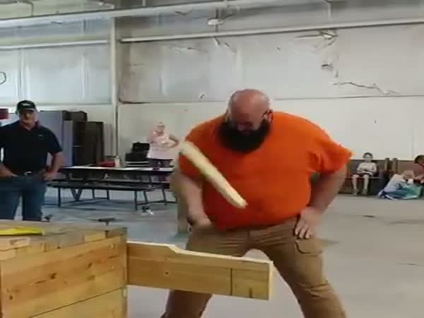 Bearded Man Wins At Knife Competition