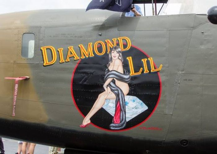 WW2 Pilots Knew What To Draw On Their Planes (46 pics)