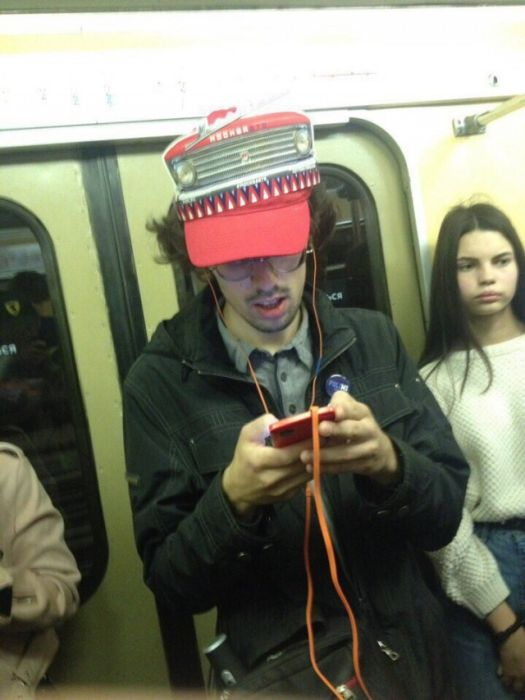 Strange People In Russian Subway (30 pics)