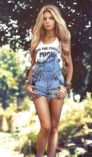 Very Hot Photos Of Girls In Overalls 39 Pics-9271