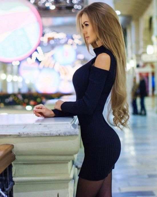Girls In Sexy Dresses (35 pics)