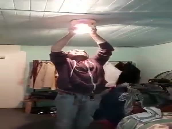 Electrical Trick With Bulb